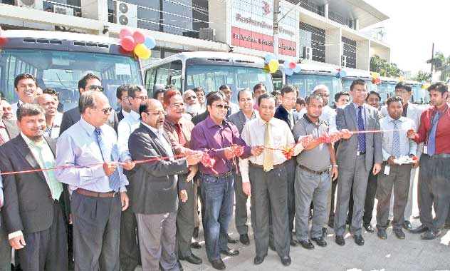 15-modern-buses-for-Bashundhara-officials-employees