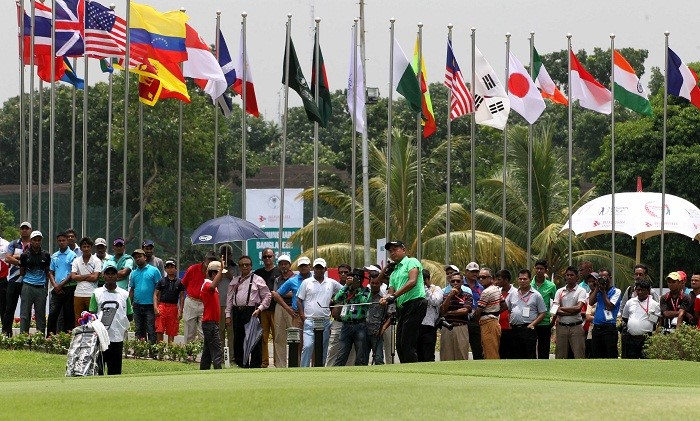 Homeboys give a determined chase on the opening day of Bashundhara Bangladesh Open-04